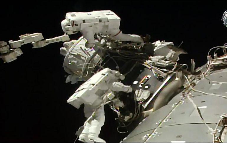 La NASA prepara atraque de futuros vuelos comerciales en el espacio