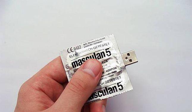 """Qué son los """"bloqueadores de datos USB"""" y cuándo debemos utilizarlos"""